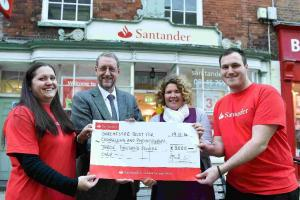 Bank donates £3,000 for counselling and psychotherapy services