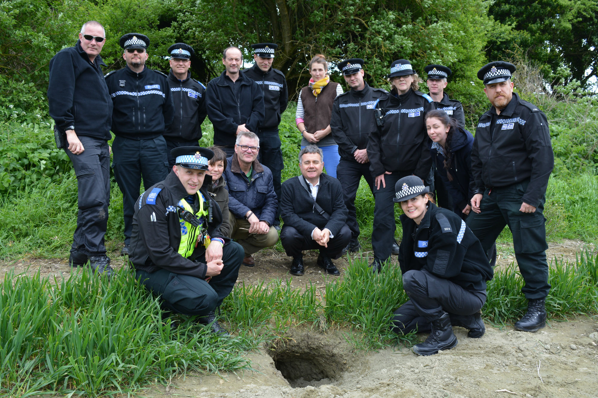 TRAINING: Dorset Police learn more about badger persecution