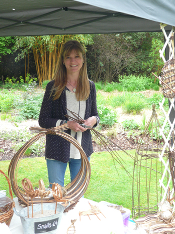 Willow workshop - plant climbers with Tracy Standish