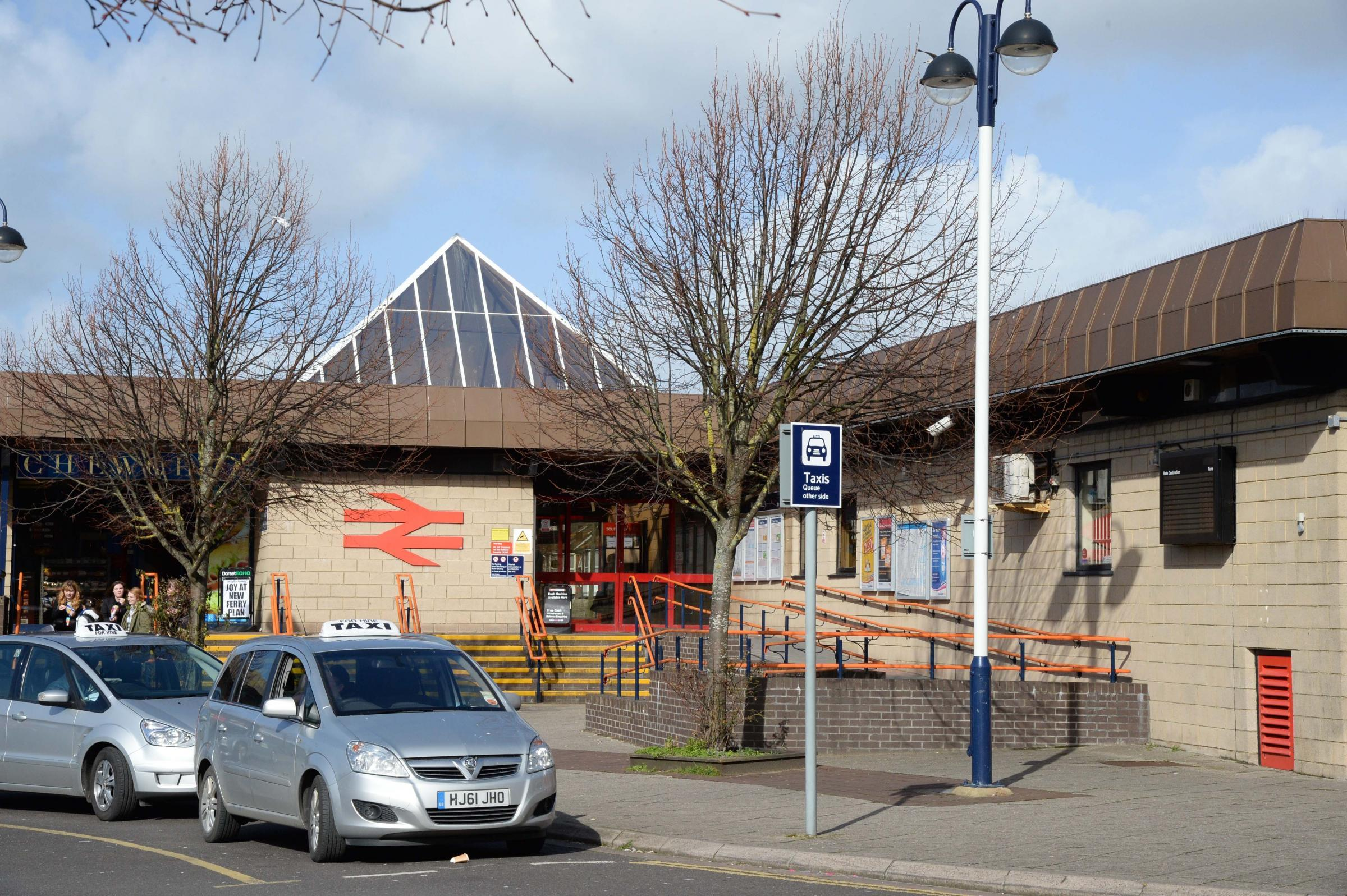 火车在韦茅斯站延误或取消