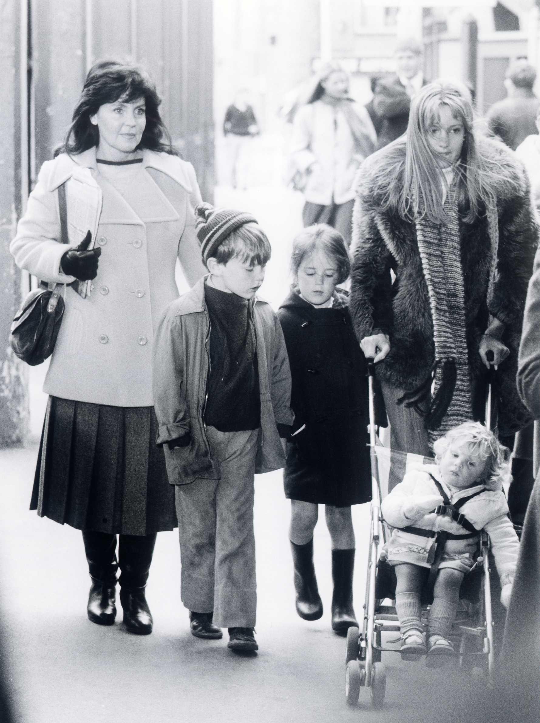 Marjorie Fielding,Anri Sugihara (b. 1982) Hot video Margaret Preece,Rachel Wilson