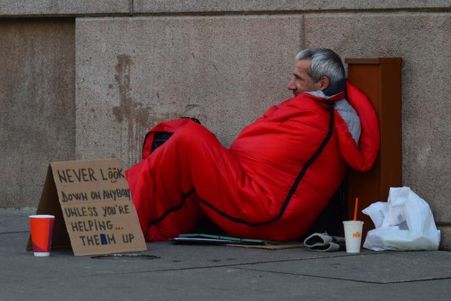 Christmas Helping Homeless.Here S What You Can Do To Help The Homeless This Christmas