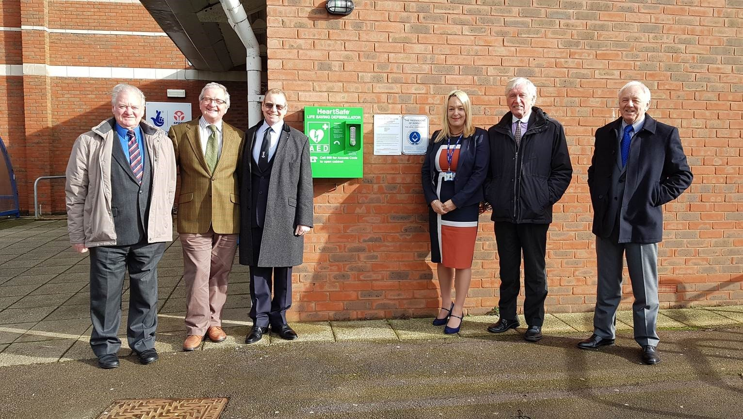 Freemasons defibrillator gift to Budmouth College, Weymouth